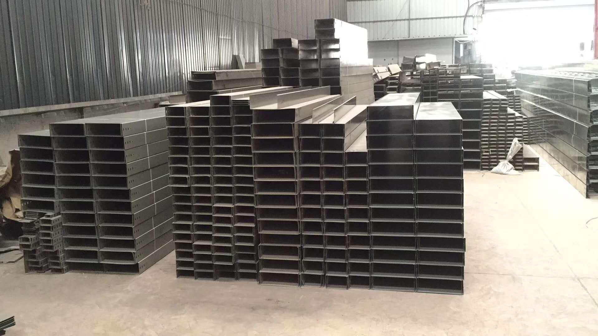 桥架厂家在不断改进生产工艺,迈向高端产品研发