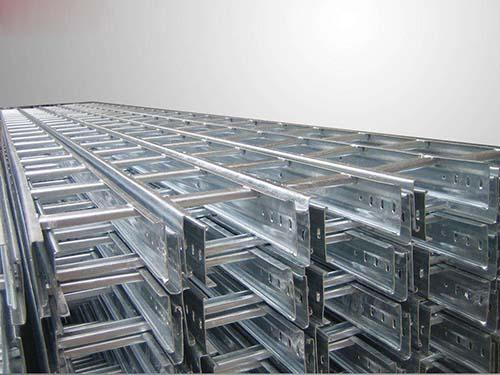 惠博位于云南省昆明市官渡区生产基地的自动化桥架生产线正式投产